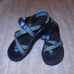 CHACO SANDALS ~ 9 ~ COLORFUL WOVEN STRAPS ~